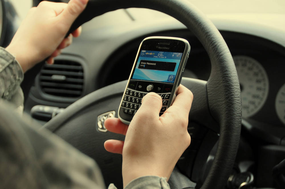 car-accidents-caused-by-smartphones-doubled